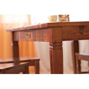 Jídelní stůl z masivu Siena