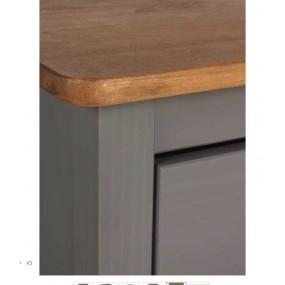 Šedá komoda z masivního borovicového dřeva se 4 zásuvkami Marckeric Joyce, výška 83 cm