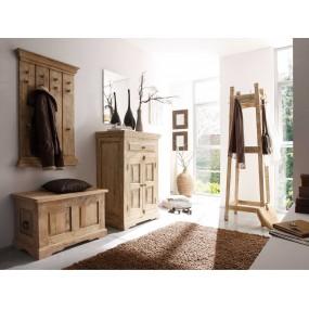 Dřevěný nábytek do předsíně...