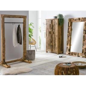 Masivní věšák na šaty z recyklovaného dřeva Thebus