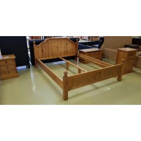 Masivní postel z borovice...