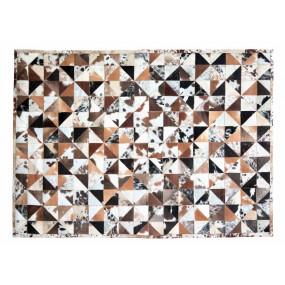 Barevný koberec z hovězí...