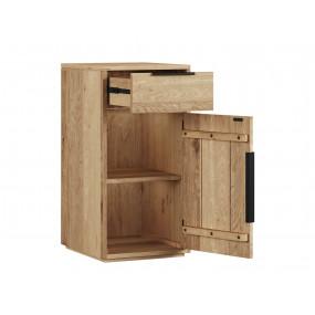 Masivní dřevěná komoda...